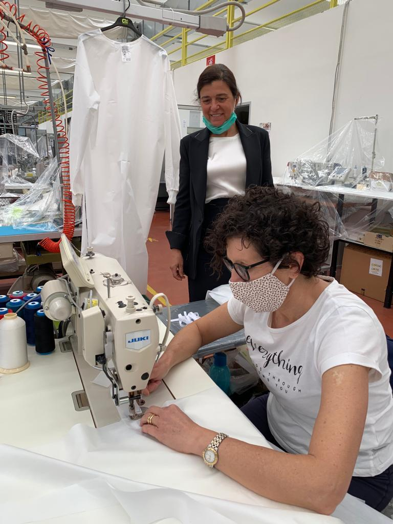 ALE' IS IN THE FRONT LINE AGAINST COVID-19: THE COMPANY SEWED SOME MEDICAL COATS THAT WILL BE DEVOLVED TO THE HOSPITALS